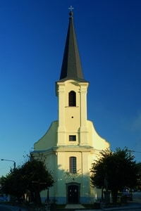 Szent István római katolikus plébániatemplom