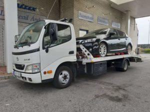 Autómentés Visegrádon - Lerobbant autó mentése